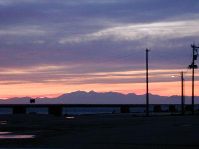 朝焼けに浮かぶ立山 2